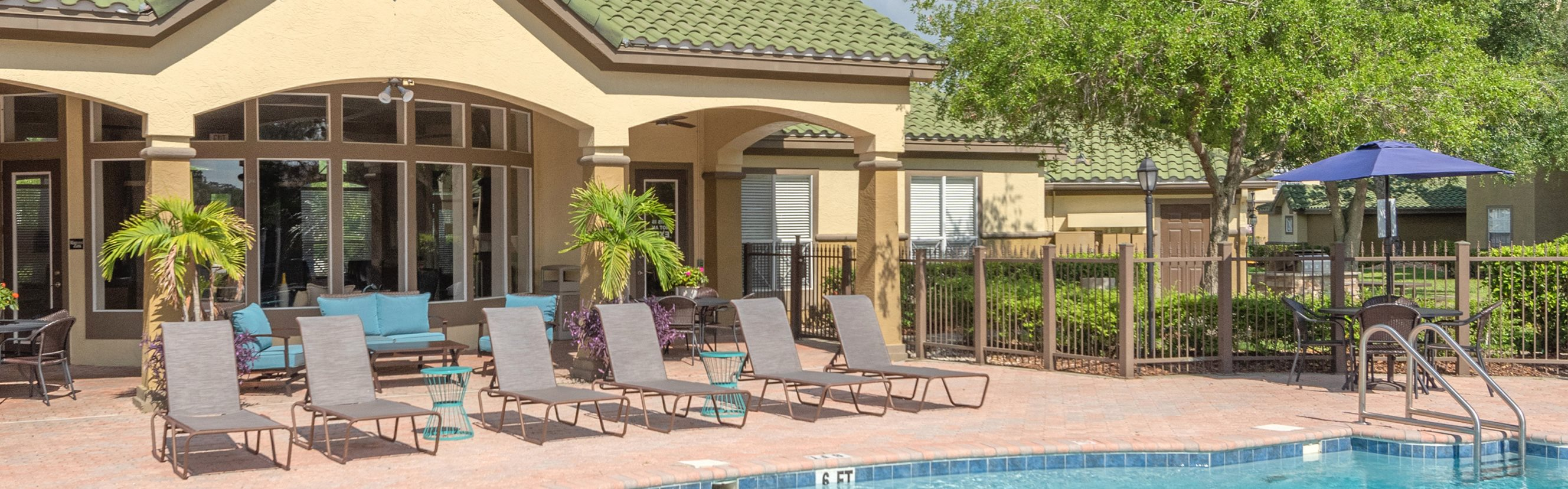 Park Del Mar Apartments pool area