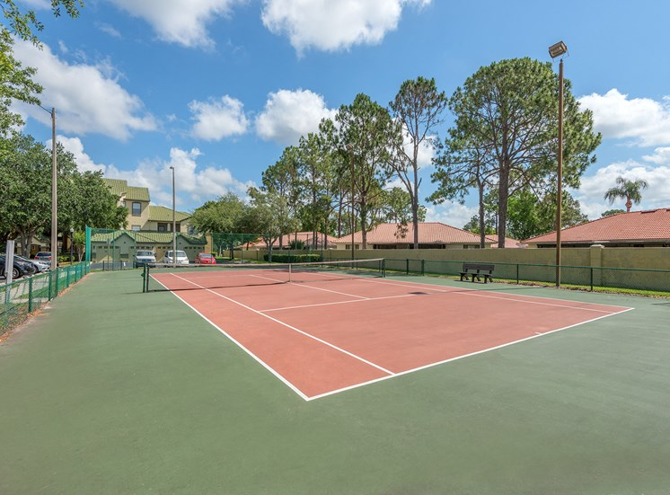 Park Del Mar Apartments lighted tennis court