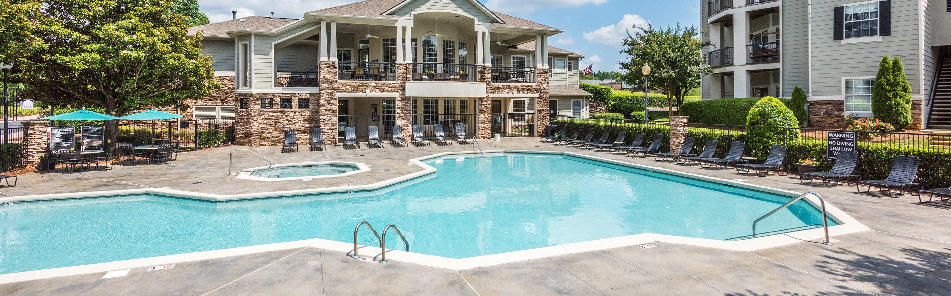Cheswyck at Ballantyne Apartments pool area