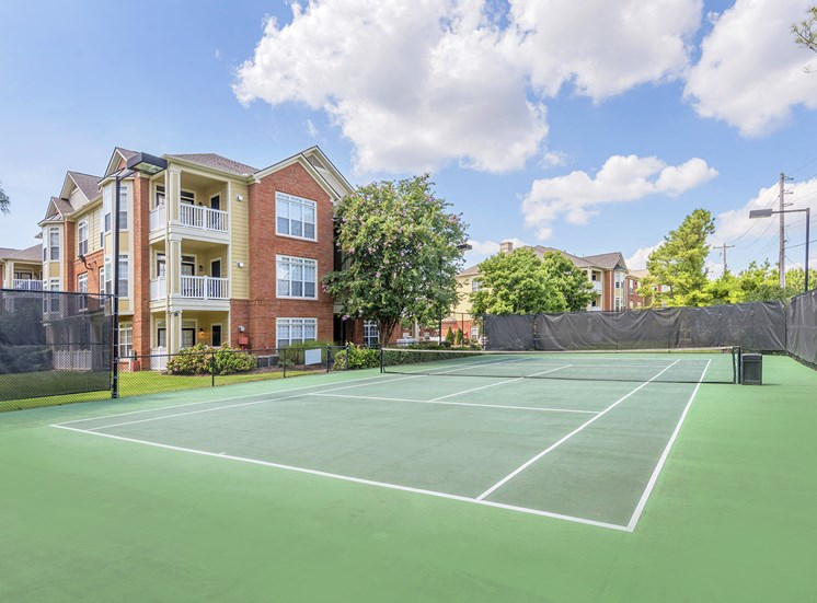 Belle Harbour Apartments - Lighted tennis courts