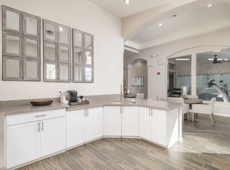 Arrowhead Landing Apartments demonstration kitchen