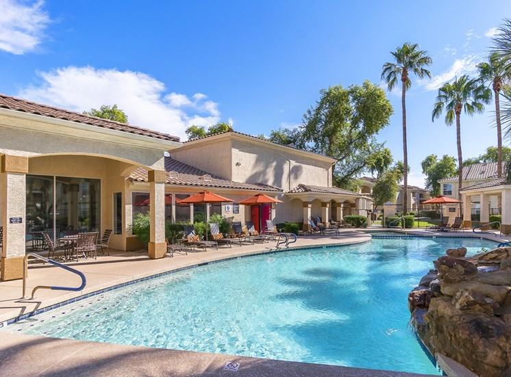 Arrowhead Landing Apartments resort-style pool