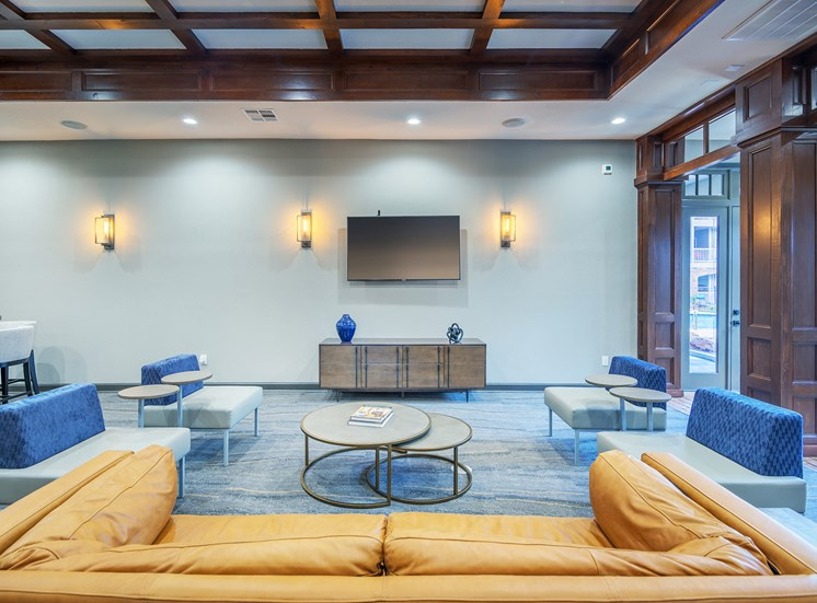 Lodge at Cypresswood Apartments - Cyber lounge