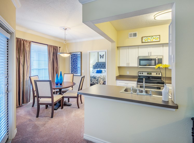 Lodge at Cypresswood Apartments - Interior - Dining nook
