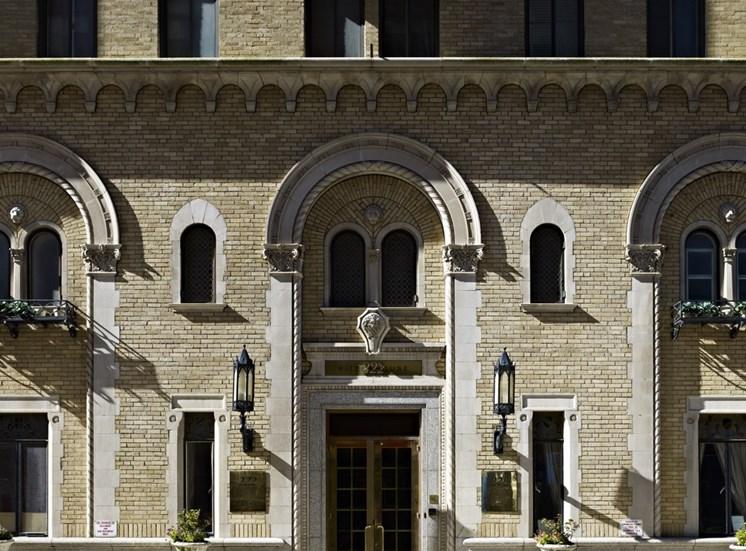 222 Rittenhouse - Entryway