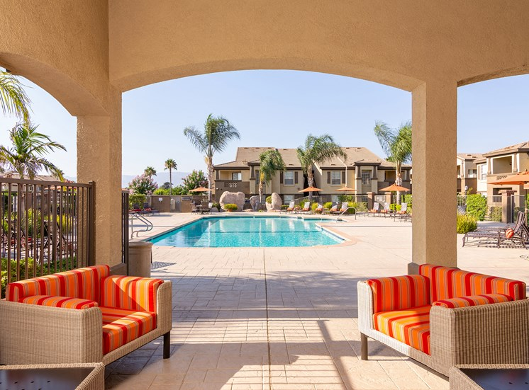 Barton Vineyard Apartments poolside cabana