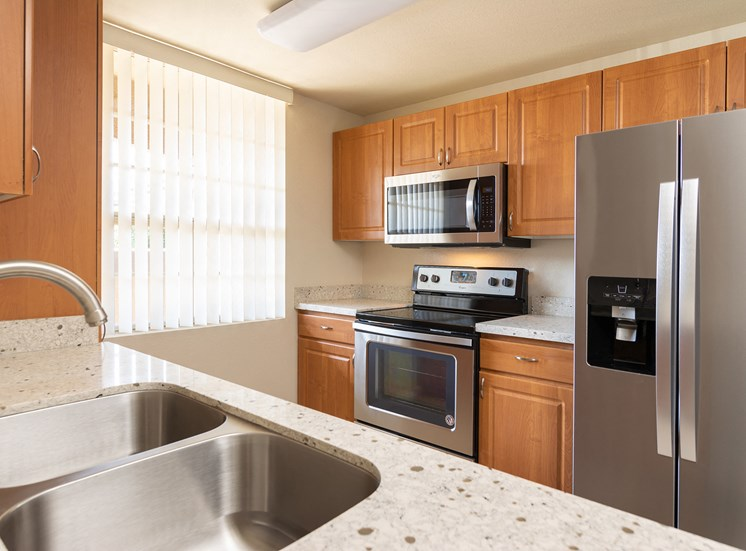 Barton Vineyard Apartments - Spacious kitchens with stainless steel appliances