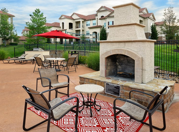 Cordillera Ranch Apartments - Fire pit with seating