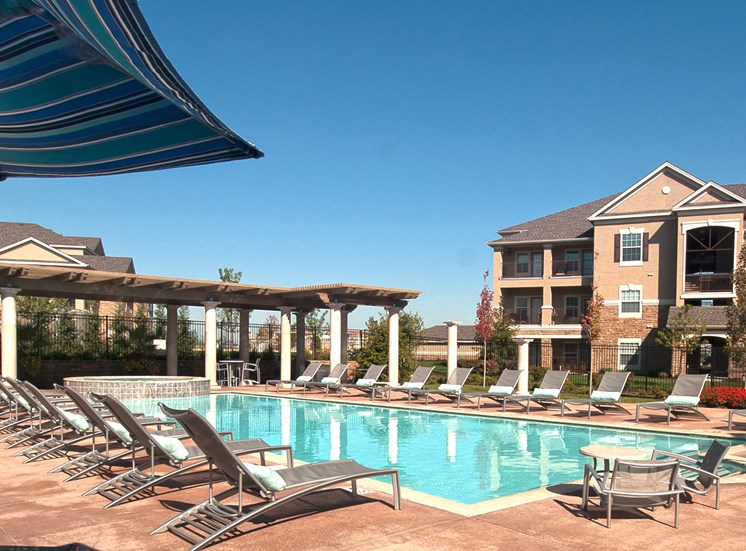 The Fairways at Corbin Park poolside sundeck