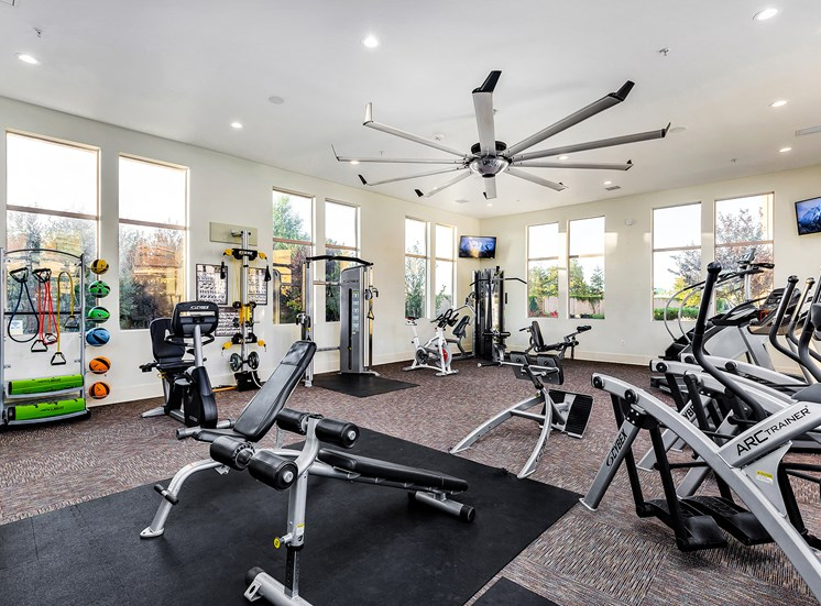 Quinn Crossing Apartments 24-hour state-of-the-art fitness center