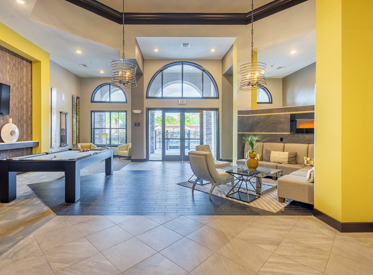 Bonterra Parc - Resident lounge with billiards table