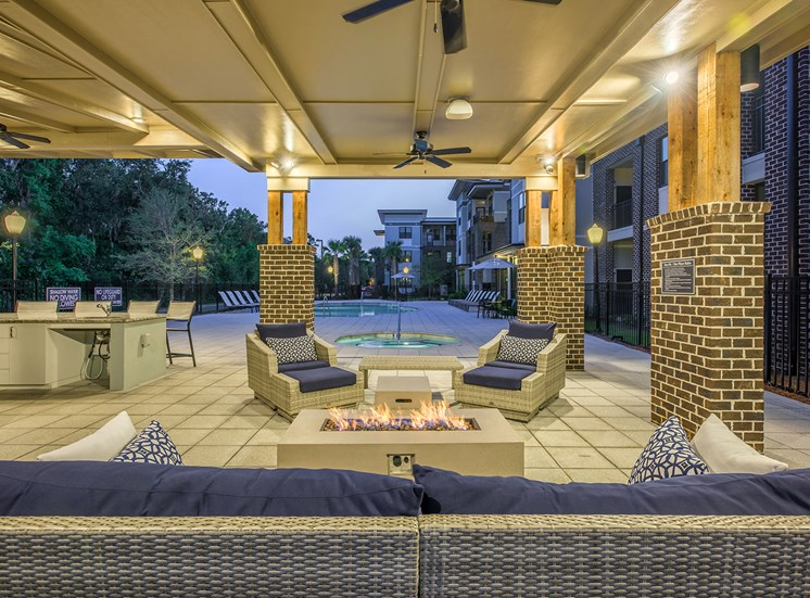 Centre Pointe Apartments fire pit with seating
