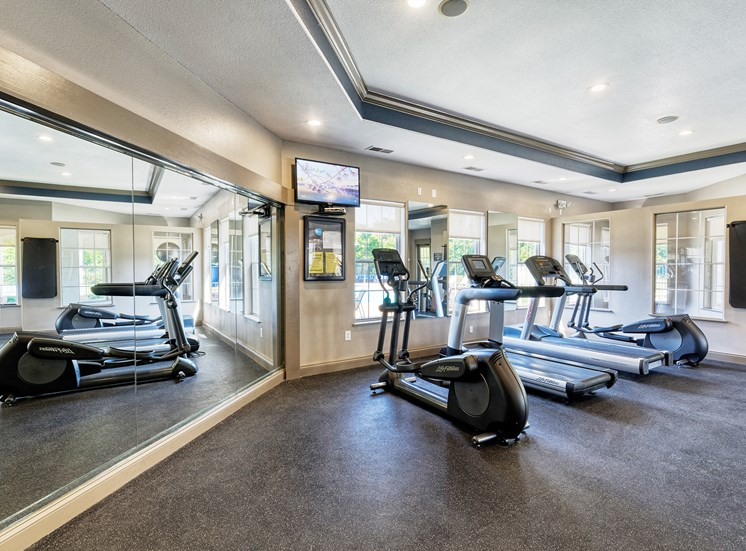 Lantern Woods Apartments - Fully-equipped fitness center