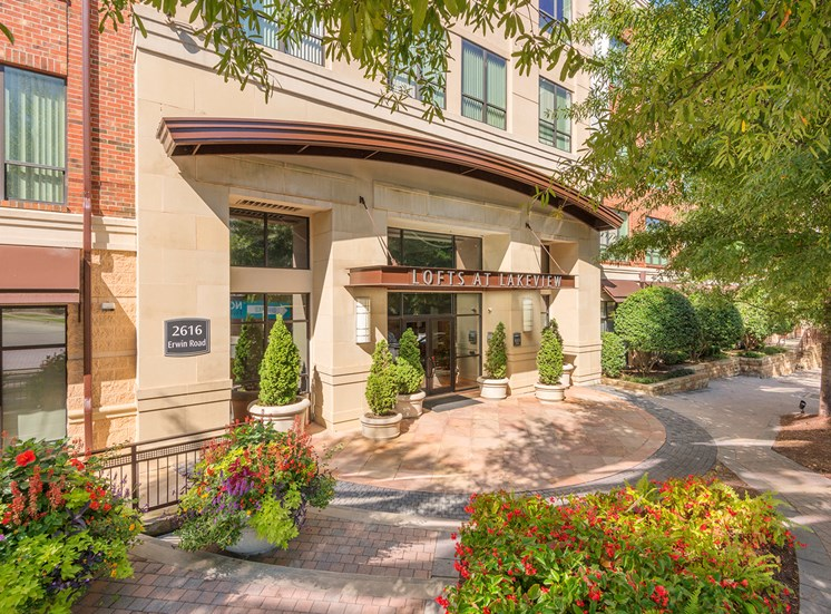 Lofts at Lakeview Apartments - Leasing office entrance