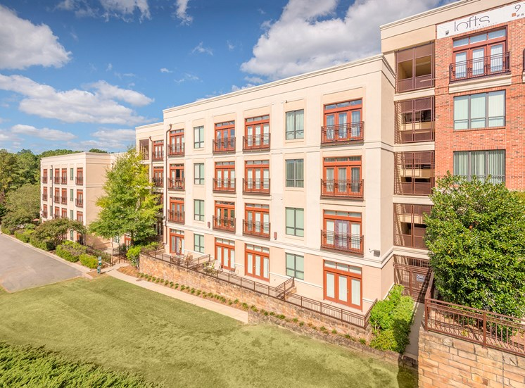 Lofts at Lakeview Apartments - Building Exterior