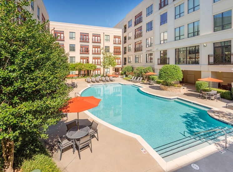 Lofts at Lakeview Apartments - Resort-style swimming pool