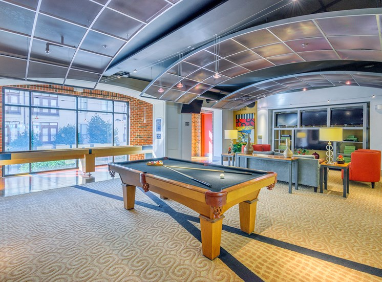 Lofts at Lakeview Apartments - Clubhouse with billiards table
