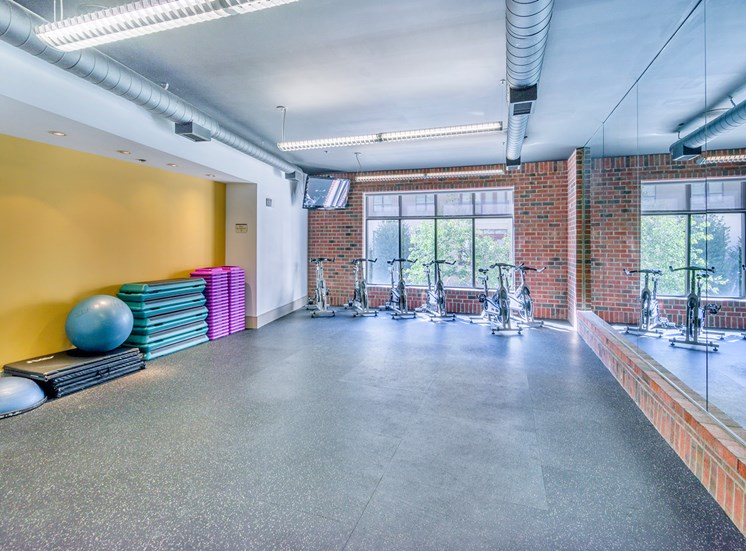 Lofts at Lakeview Apartments - 24-hour fitness club
