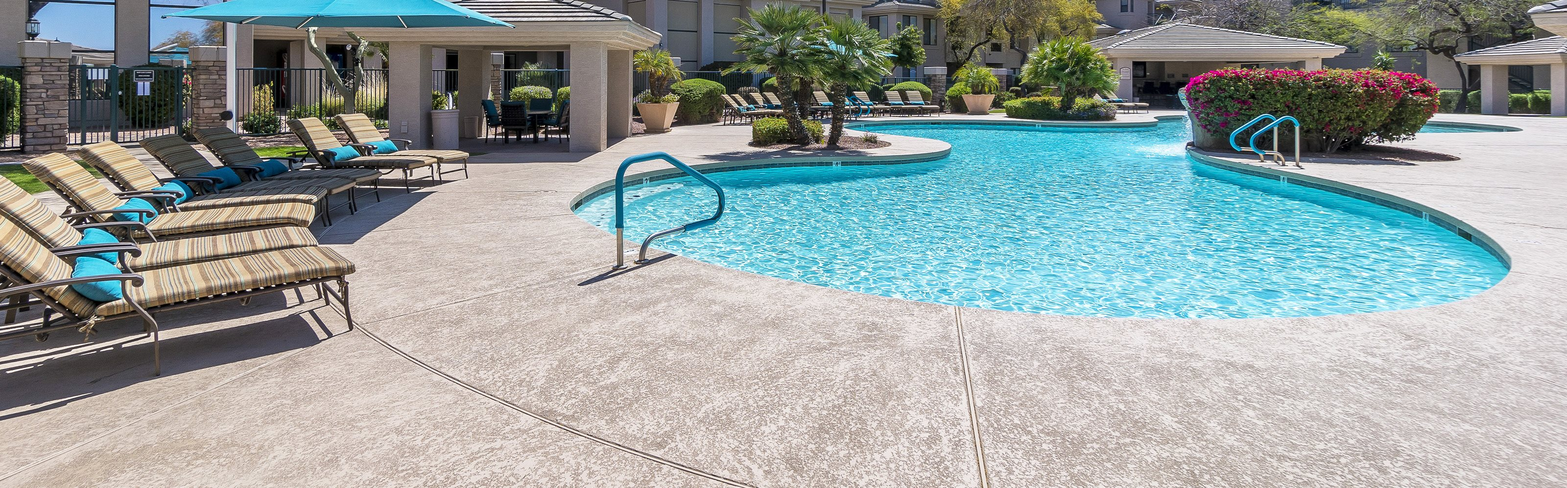 The Paragon at Kierland Apartments pool area