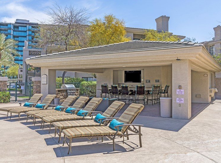 The Paragon at Kierland Apartments outside kitchen and sundeck