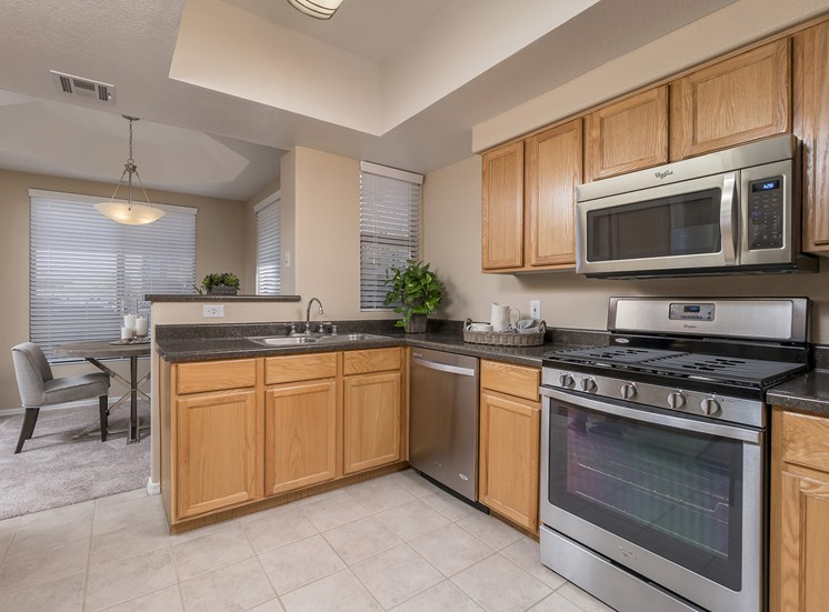 The Paragon at Kierland Apartments fully-appointed chef style kitchens