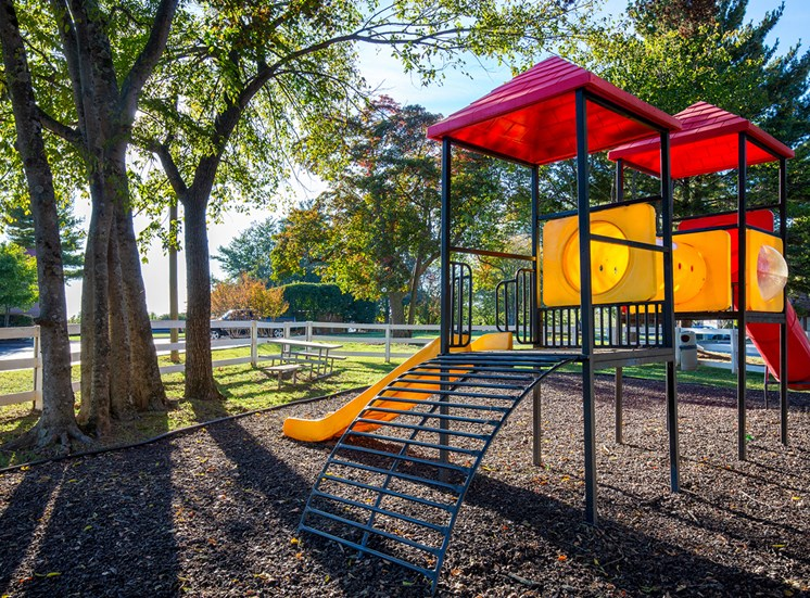 Oakwell Farms Apartments - Playground