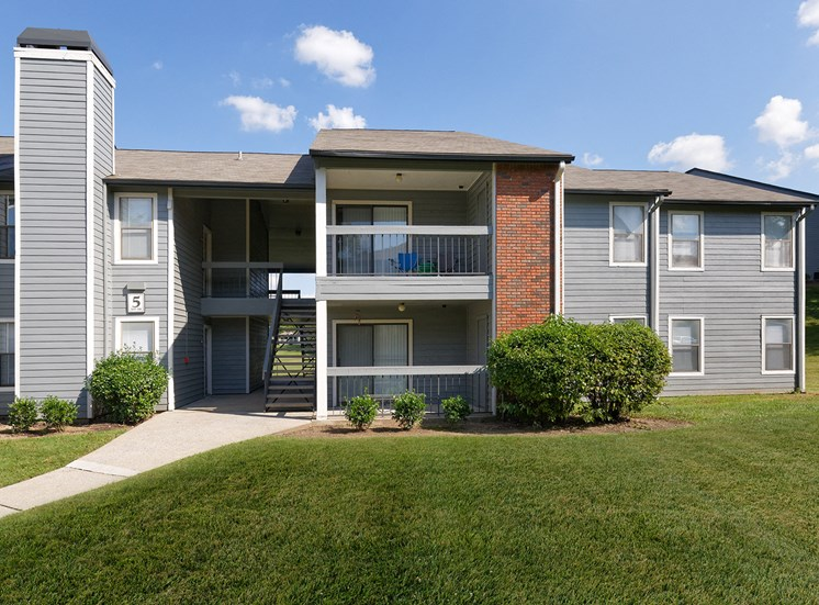 Arbor Hills Apartments patio or balcony in each apartment