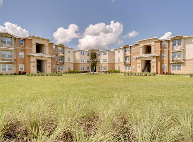 Vineland Landings Apartments in Kissimmee, FL. Make this community your new home or visit other Concord Rents communities at ConcordRents.com. Building exterior